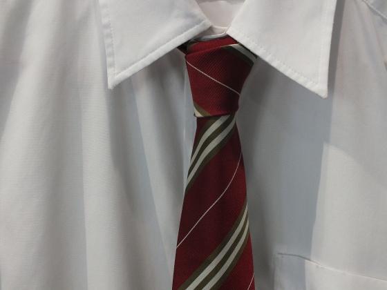 ネクタイ赤