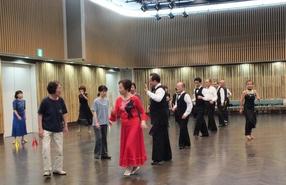 社交ダンス(トントン拍子さん)